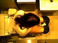 洋式トイレ前方アップ&上から盗撮④
