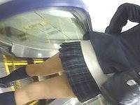 【原版】スカートをめくる手 VOL.2