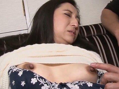 奥さん、今はいてる下着を買い取らせて下さい!~マンコ臭が染み付いた下着~ 曖羽裸ゆめ(46)